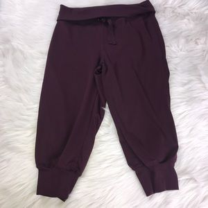 Champion Maroon Capri Pants Size Small